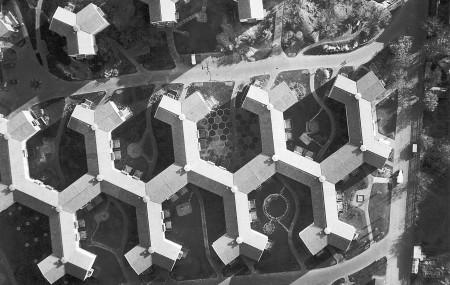 Stjärnhusen i Gröndal i Stockholm, uppförda mellan åren 1944 och 1946. Arkitekter: Sven Backström, Leif Reinius. Foto: Okänd, ArkDes samlingar.