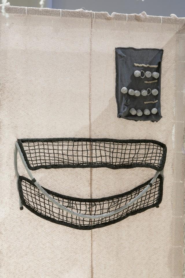 Detalj från utställningen Knitting House. Foto: Matti Östling / ArkDes