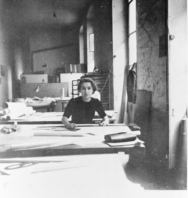Léonie Geisendorf in Le Corbusier's studio on Rue de Sèvres in Paris.
