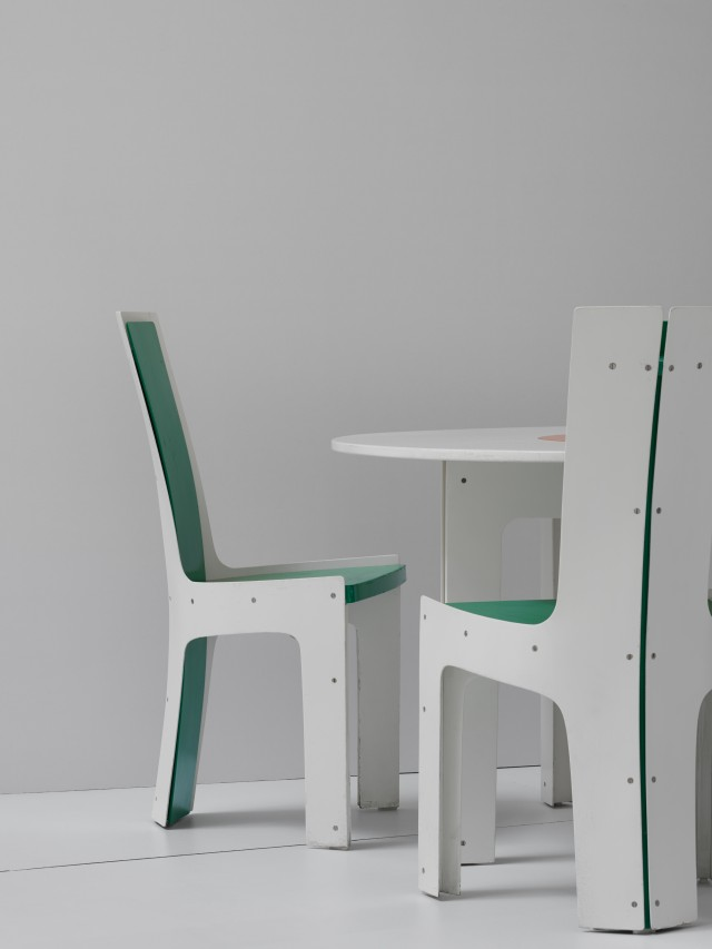 Chairs and table by interior architect Hans Johansson och master carpenter Anders Berglund. Photo: Kristofer Johnsson