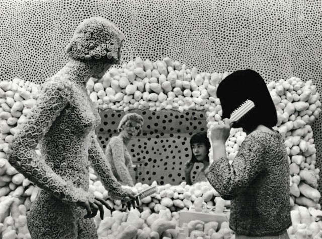 Kusama with Macaroni Girl. Dressing Table and Infinity Net Painting, ca. 1964 © Yayoi Kusama