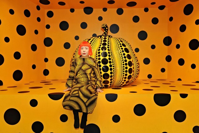 Yayoi Kusama, Kusama with Pumpkin, 2010 © Yayoi Kusama