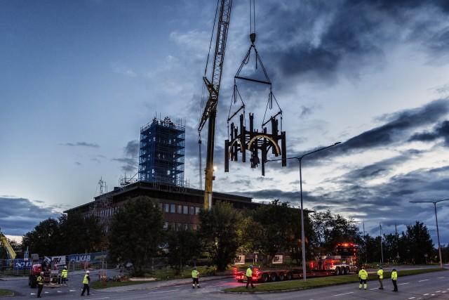 Stadshuset ritat av Artur von Schmalensee rivs, men det tillhörande klocktornet av konstnären Bror Marklund flyttas när Kiruna flyttar. Foto: Fredric Alm