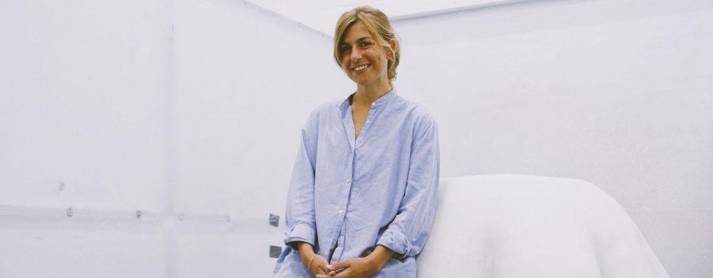 Konstnären Hilda Hellström. Fotografi: Justina Hüll.